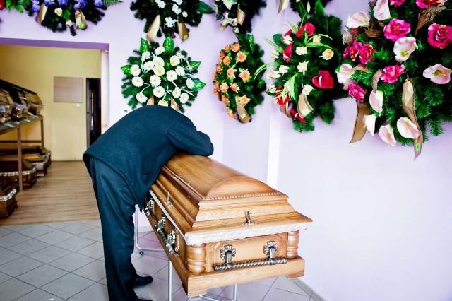 Mam scenę pogrzebową