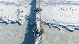 """""""Epoka lodowcowa"""" w Międzyzdrojach. Niesamowite ujęcia zmrożonego kurortu z drona"""