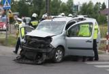 Wypadek w Skarszewie pod Kaliszem. Samochód osobowy zderzył się z autobusem PKS Kalisz [FOTO, WIDEO]