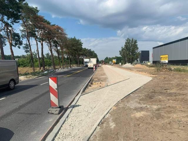 Przebudowę skrzyżowania ul. Chemicznej z Mokrą prowadzi prywatna firma. Miasto planuje rozbudować w tym miejscu sieć tras rowerowych, ale dopiero za kilka lat