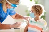 Szczepionka przeciw COVID-19 dla dzieci w wieku 5-11 lat – eksperci FDA popierają szczepienie preparatem Pfizera