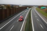 Utrudnienia na autostradzie A4 w kierunku Jarosławia. Kierowca zasłabł i wjechał na pas awaryjny