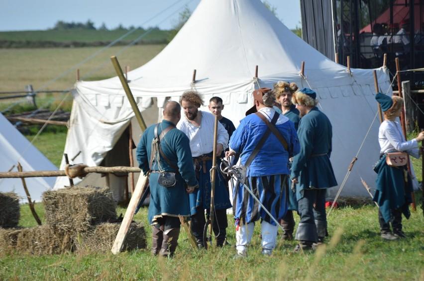 Odtworzyli udział Kaszubów w odsieczy wiedeńskiej z królem Janem III Sobieskim. Były aż dwie inscenizacje (FOTO-VIDEO)