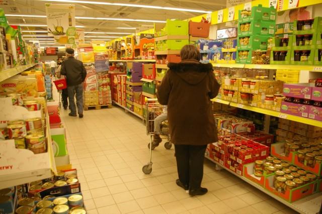 Jeśli chce się zrobić jak najtańsze zakupy, trzeba najpierw rozeznać ceny w sklepach.