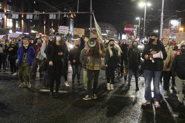 Prokuratura Krajowa wydała oświadczenie ws. protestów: Organizatorzy stwarzają bezpośrednie zagrożenie dla zdrowia i życia