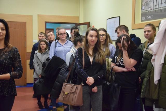 Podziel się swoją historią - wystawa fotografii w Państwowej Wyższej Szkole Zawodowej w Kaliszu