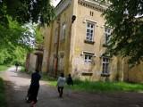 Dawna kuchnia dworska w Tarnobrzegu się rozpada. Zobacz