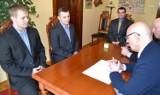 Tytani Wejherowo oraz APS TPS Rumia otrzymały od starostwa pieniądze na promocję