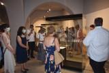 """Zobacz nową wystawę """"Zoom na archeologię"""" w Centrum Rysunku i Grafiki im. T. Kulisiewicza w Kaliszu ZDJĘCIA"""