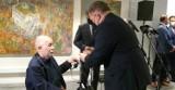 """Uroczysty wernisaż wystawy """"Portrety i metafory życia"""" odbył się w odnowionej Kamienicy Deskurów w Radomiu"""
