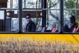 Koronawirus. Za brak maseczki dopłacisz do biletu lub wylecisz z autobusu i pociągu? Jest projekt ustawy