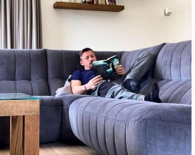 Adam Małysz aktywnie udziela się w mediach społecznościowych. I choć większość jego wpisów dotyczy skoków narciarskich, nasz były znakomity zawodnik co pewien czas publikuje zdjęcia o charakterze prywatnym, zrobione w swoim domu.   Zobacz zdjęcia domu Adama Małysza! ->>>>