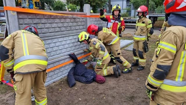 Trzystu wspaniałych ćwiczyło w sobotę jak ratować ludzi.