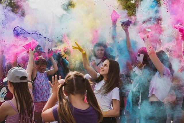 Moc zabawy i mnóstwo atrakcji z okazji Gminnego Dnia Dziecka w Jędrzejowie. Przyszły setki osób.