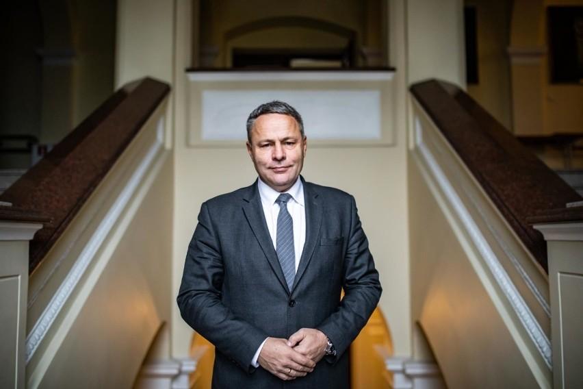 Prezydent Rafał Bruski zaprosił marszałka Piotra Całbeckiego...