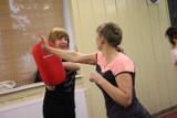 Ruda Śląska: Czterdzieści pań bierze udział w lekcjach z samoobrony [ZDJĘCIA]