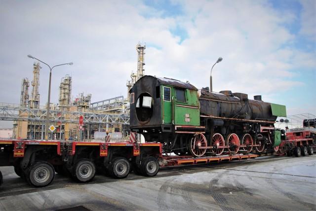 Lokomotywa została już przetransportowana do Azot.
