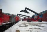 Dwa pociągi z Chin pełne sprzętu medycznego przyjechały do Polski. To wielki transport na zlecenie firmy Zarys z Zabrza