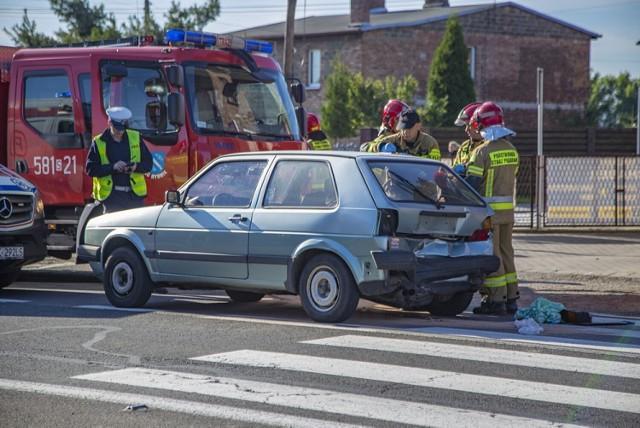 Wypadek w Jejkowicach: ranny kierowca chevroleta, który najechał na tył volkswagena golfa