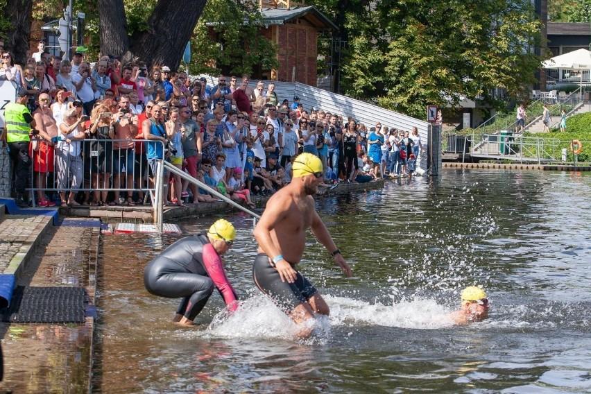 Woda Bydgoska - z roku na rok zyskuje coraz liczniejszą...