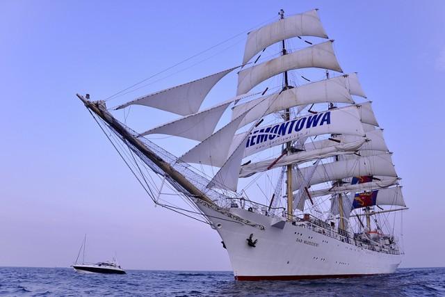 Parada statków uczestniczących w Culture 2011 Tall Ships Regatta ...