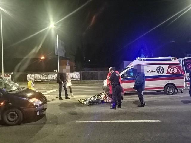 Potrącenie mężczyzny na przejściu dla pieszych przy ulicy Wieniawskiego w Wałbrzychu. Po raz kolejny  w tym miejscu doszło do tragedii