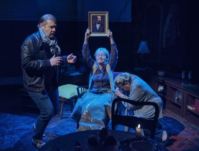 """Spektakl według Nadieżdy Ptuszkiny """"Kiedy sobie znowu umierała"""" we wrześniu na deskach Teatru Scena STU"""