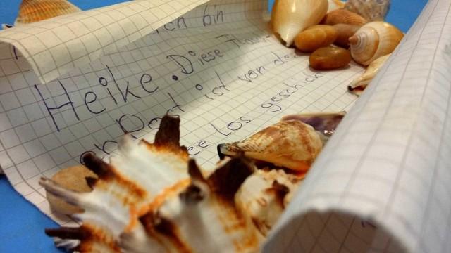 List w butelce został znaleziony na plaży w Rowach między Ustką, a Łebą.