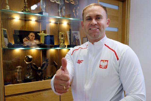 Chojniczanin z Bytowa Lech Stoltman zdobył w Tokio brązowy medal Igrzysk paraolimpijskich w pchnięciu kulą. Wygrał Brazylijczyk Santos