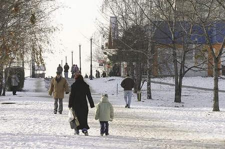 Odnowiony pasaż na Mydlicach jest efektowny, ale wcale nie cieszy mieszkańców innych dąbrowskich osiedli.