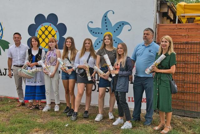 Kaszubski mural w Pucku już gotowy. Wykonali go uczniowie I LO im. Stefana Żeromskiego
