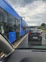 Sznur tramwajów na ulicy Wielickiej. Bardzo duże utrudnienia w ruchu