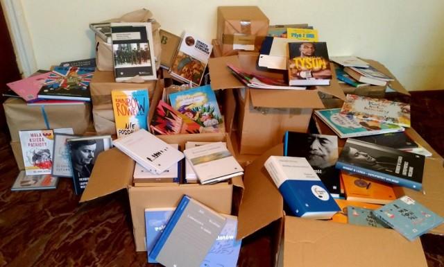 Ministerstwo z pomocą dla kaliskiej biblioteki. Filia nr 16 otrzymała potężny księgozbiór