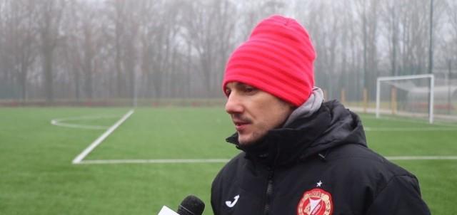 Trener rezerw Widzewa Jakub Grzeszczakowski przywiązuje dużą wagę do występów swojej drużyny w Pucharze Polski
