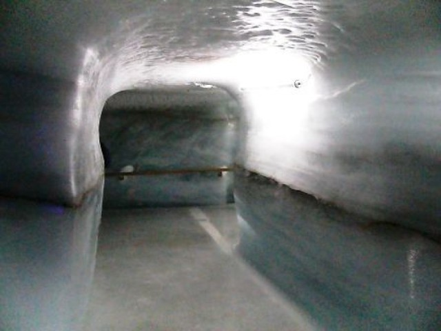 W tunelu