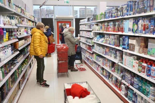 Także w grudniu Rossmann, Hebe i Sephora oglosili promocje wielu swoich produktów. Jakie między innymi produkty znalazły się w promocji? Zobacz w dalszej części galerii >>>