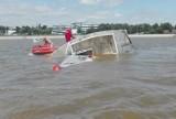 Toruń: Niebezpieczny wypadek na Wiśle. Mężczyźni wpadli do wody! ZDJĘCIA