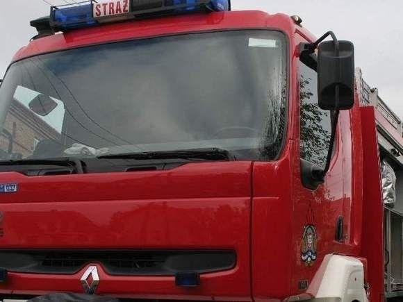 19-latek uratował kobietę z płonącego budynku w Krynkach
