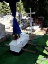 Zabił a zwłoki ukrył pod posadzką. Brat zamordowanej Angeliki z Debrzna zbiera na jej pomnik