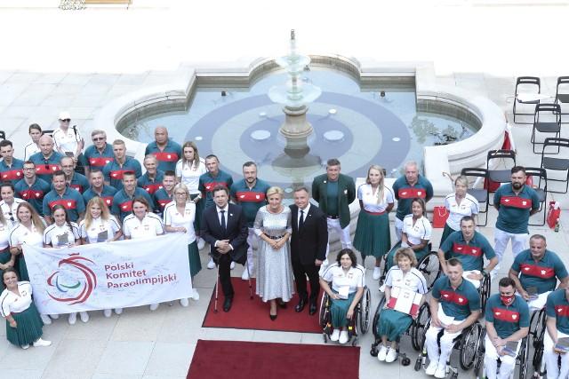 Ceremonia wręczenia nominacji do Reprezentacji Polski na XVI Letnie Igrzyska Paraolimpijskie w Tokio odbyła się w Ogrodach Pałacu Prezydenckiego