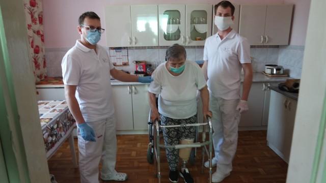 Pani Janina i specjaliści z Rzeszowskich Zakładów Ortopedycznych