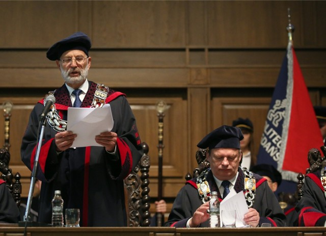W tym roku kończy się druga kadencja prof. Henryka Krawczyka (z lewej)