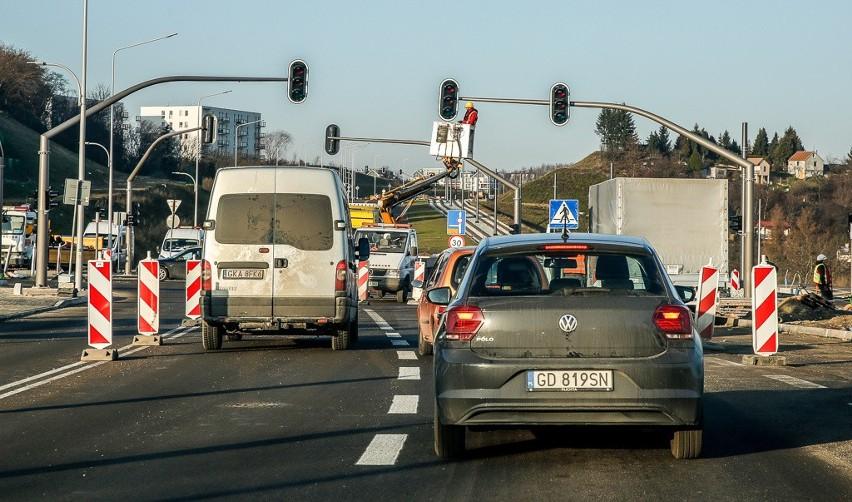 Pierwsze dwa odcinki trasy Nowa Bulońska Północna w Gdańsku już udostępnione dla ruchu [zdjęcia]