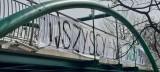 Kibice żużlowców Marwis.pl Falubazu Zielona Góra wywiesili banery. Zachęcają do dopingu pod stadionem