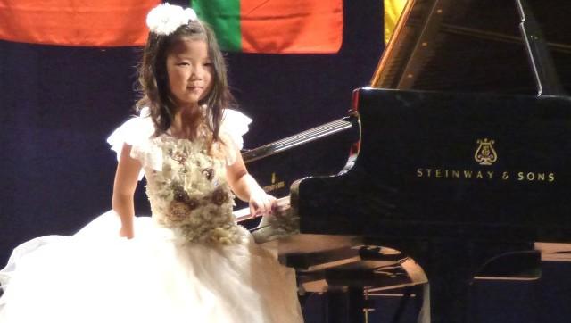 Serca buskiej publiczności na gali laureatów podbiła najmłodsza pianistka - siedmiolatka Emmie Guo ze Stanów Zjednoczonych. Zdobyła trzecią nagrodę w konkursie, w kategorii Młode Talenty.