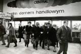 Sklepy w Łodzi i rynki w czasach PRL. Łódzki handel na archiwalnych zdjęciach: Bałucki Rynek i DH Central w czasach PRL 6.06.2021