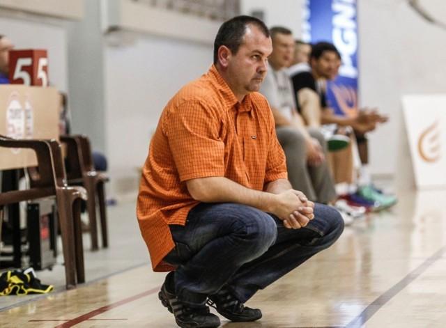 Trener Dariusz Kaszowski ma o czym myśleć przed szlagierowym meczem ze Spójnią.