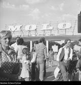Sopocki Wehikuł Czasu! Życie kurortu na starych zdjęciach. Festiwal w Operze Leśnej, molo, Grand Hotel