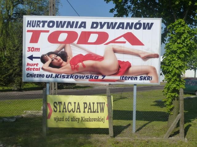 Nagość w reklamach jest tandetna. Od erotyki do zupy droga krótka