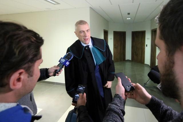 Roman Giertych domaga się 500 tys. zł od telewizji TVP za to, jak relacjonowała sprawę jego zatrzymania